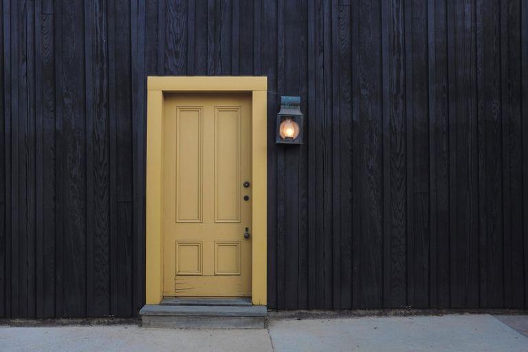 Dipingere Porte Vecchie.Quanto Costa Dipingere Le Porte Guida Ai Prezzi Instapro