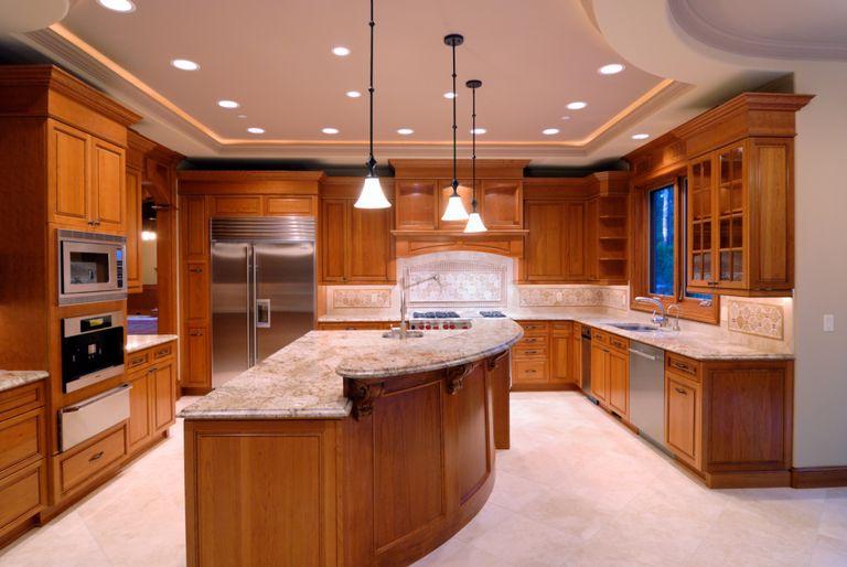 Illuminazione cucina country lampadario luci secondarie