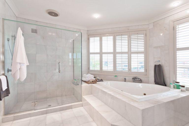 Quanto costa ristrutturare un bagno la guida ai prezzi instapro - Quanto costa fare un bagno completo ...
